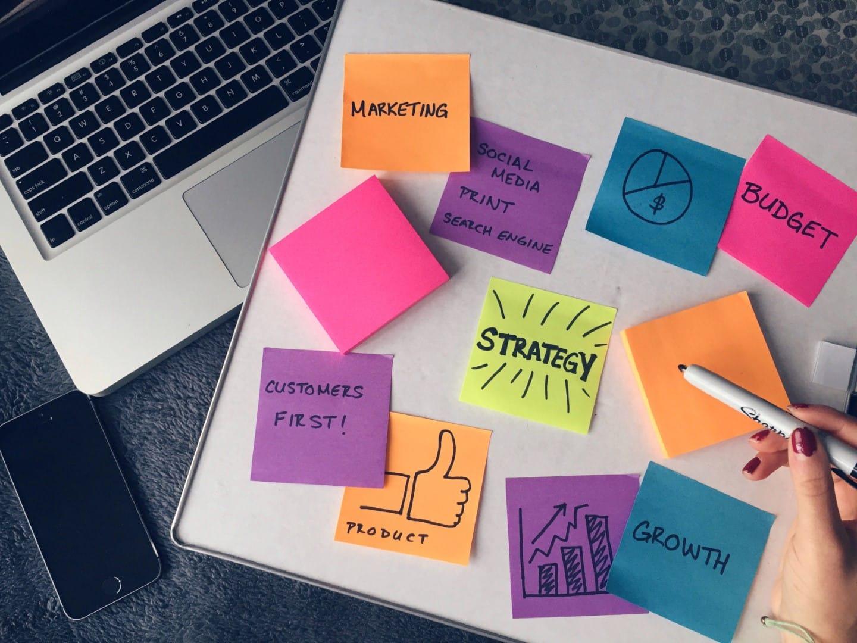 8 strategie - Le 8 strategie per far crescere la propria azienda - Le 8 strategie per far crescere la propria azienda